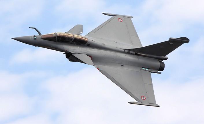 Yunanistan savaş uçağı almak için Fransa ile masaya oturdu