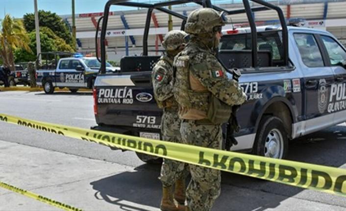 MEKSİKA'DA POLİS İLE UYUŞTURUCU ÇETELERİ ARASINDAKİ ÇATIŞMADA 8 ÇETE ÜYESİ ÖLDÜRÜLDÜ