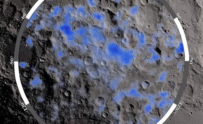 NASA, AY YÜZEYİNDE SU BULUNDUĞUNU AÇIKLADI