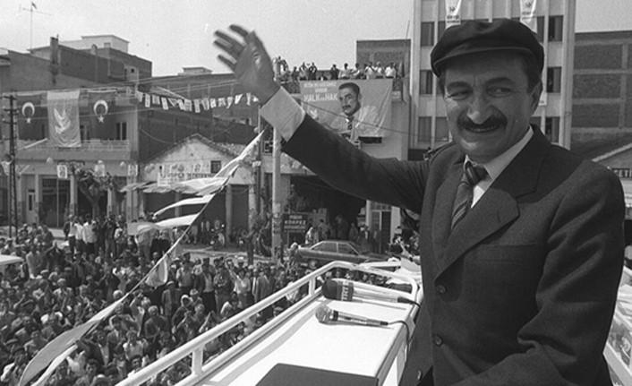 """""""KARAOĞLAN""""IN VEFATININ ÜZERİNDEN 14 YIL GEÇTİ"""