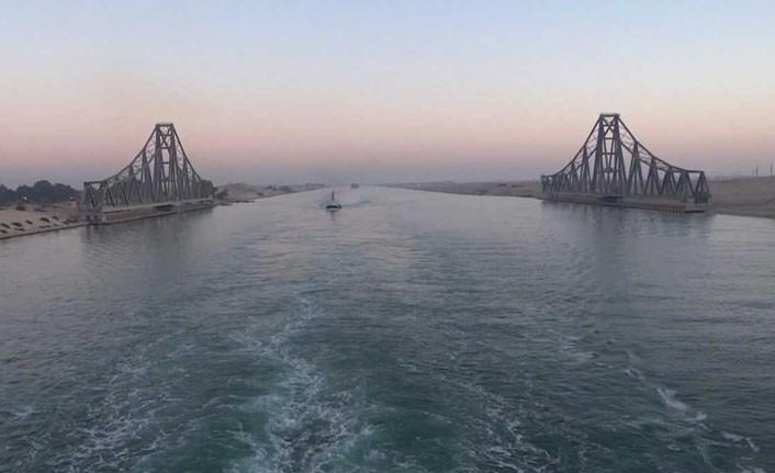 Süveyş Kanalı'nda yaşanan kaza deniz trafiğini durdurdu