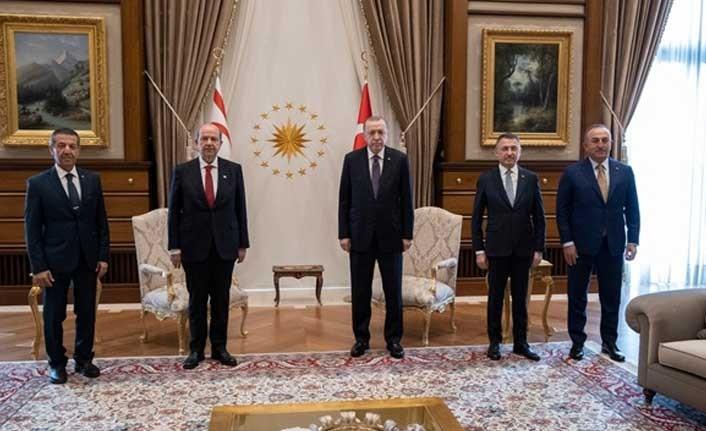 """Cumhurbaşkanı Tatar: """"Görüşmeler, devletten devlete olmalı"""""""