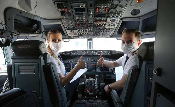 Dünya Pilotlar Günü'nü kutladılar
