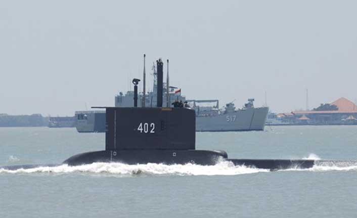 Endonezya'da kaybolan denizaltıdaki 53 kişi hayatını kaybetti