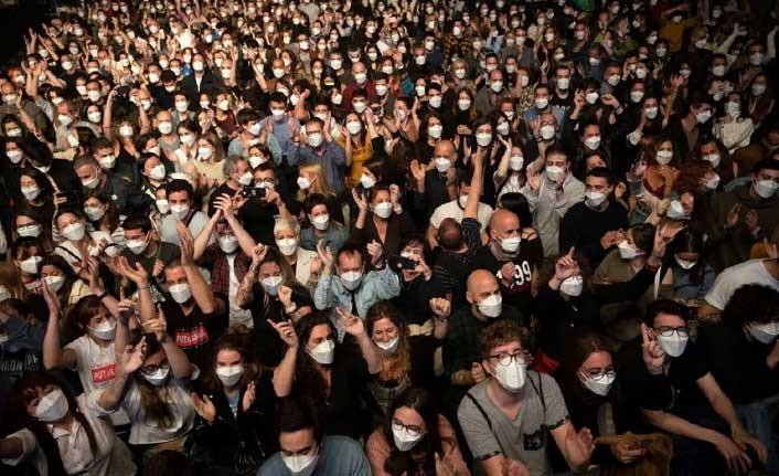 İspanya'da 5 bin kişilik koronavirüs deneyi