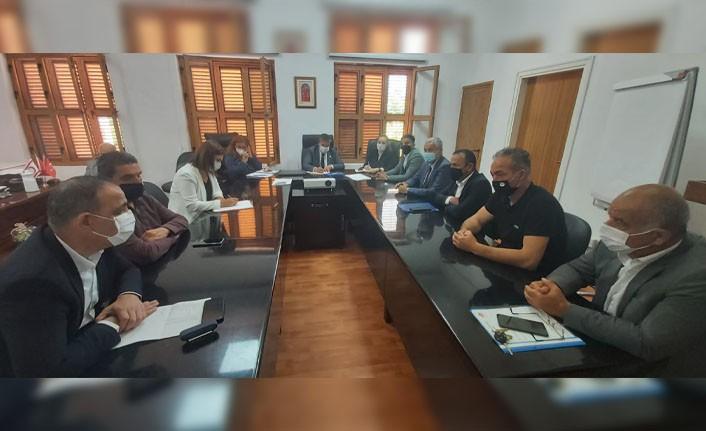 Sağlık Bakanı Dt. Ünal Üstel, Belediye başkanları ile bir araya geldi