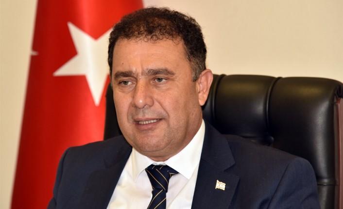 Başbakan Saner Harrıngay Belediye Meclisi Başkanı Seçilen Peray Ahmet'i Kutladı