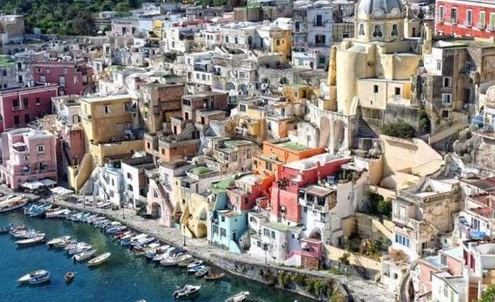 "İtalya'nın ""Covidsiz"" adası"