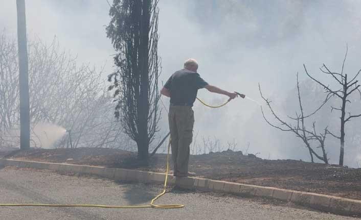 Baf'ta yangın, tahliye başladı