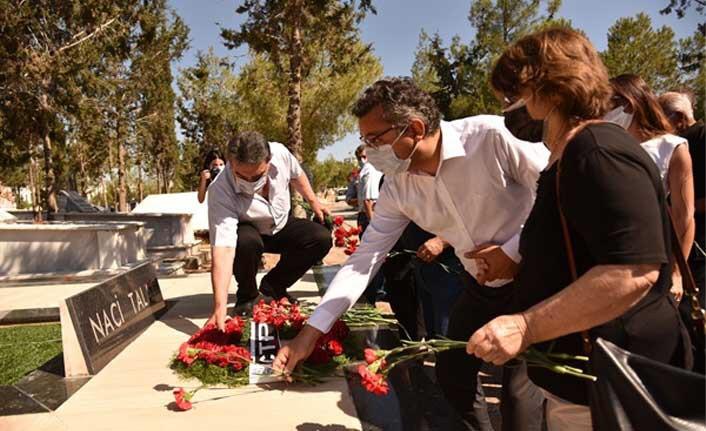 CTP Eski Genel Sekreterlerinden Naci Talat, 30'uncu Ölüm Yıl Dönümünde Kabri Başında Düzenlenen Törenle Anıldı