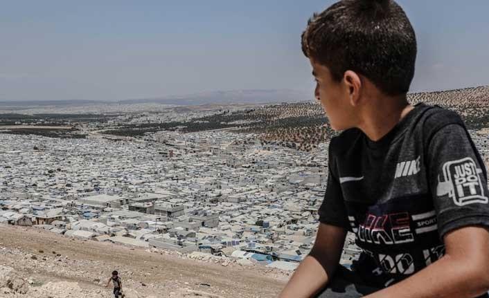 İdlib'deki kamplarda yaşayan sivilleri açlık korkusu sardı