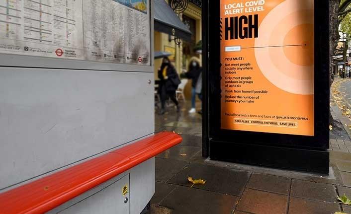 İngiltere'de bir otobüs durağında Savunma Bakanlığına ait gizli belgeler bulundu