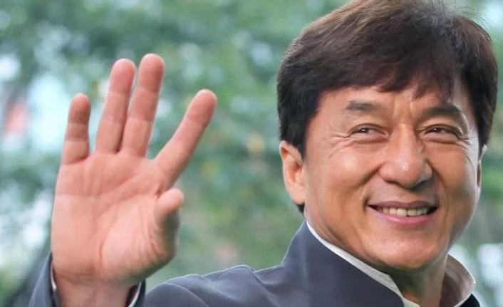 Jackie Chan Kıbrıs'ta tatil yaparken görüntülendi