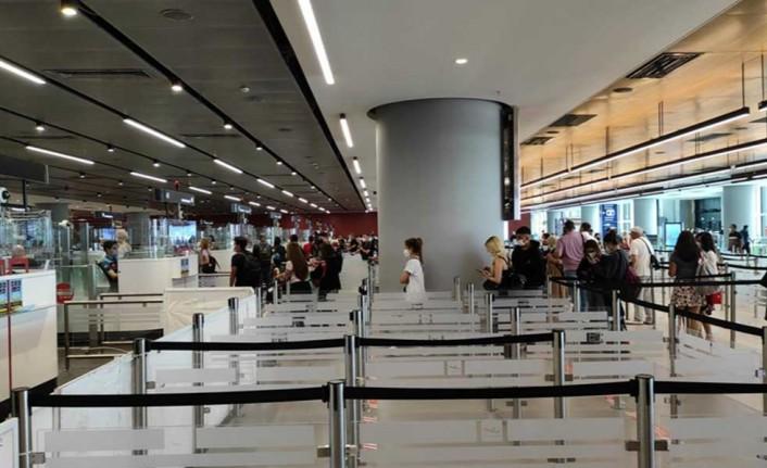 Rusya'dan turistler İstanbul'a gelmeye devam ediyor