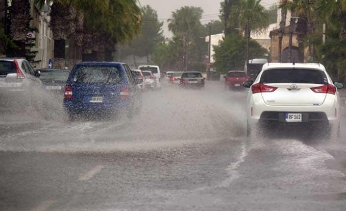 Yağmurdan Dolayı Kayganlaşan Yollara Dikkat