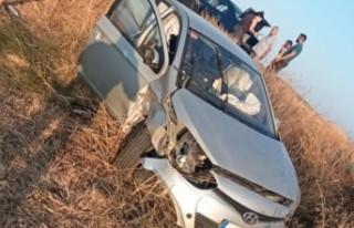 Yoldan çıkan araç takla attı, ikisi çocuk üç...