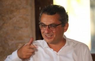 Tufan Erhürman Girne Halk Evi'ni ziyaret etti