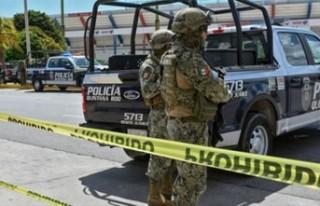 MEKSİKA'DA POLİS İLE UYUŞTURUCU ÇETELERİ...
