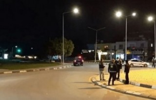 POLİS SOKAĞA ÇIKMA YASAĞINI İHLAL EDEN 12 KİŞİ...