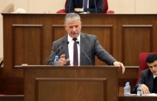 """""""HERKES DÖNÜP DOLAŞIP SİYASİLERİN ÜZERİNDE..."""