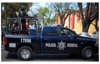 Meksikalı kartel liderinin cesedi şehir meydanındaki...
