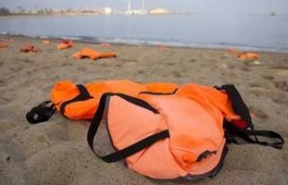 İspanya açıklarında 17 düzensiz göçmen hayatını...