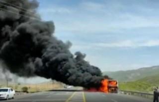 46 yolcusu bulunan otobüs alev alev yandı