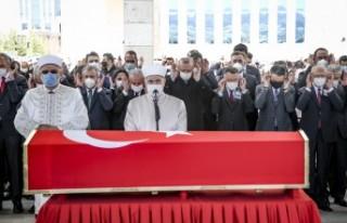 Eski Başbakan Yıldırım Akbulut son yolculuğuna...