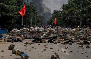 Myanmar ordusu Bago'da protestoculara ateş açtı:...