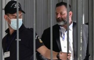 Türk bayrağını yırtan Yunan vekil Lagos tutuklandı