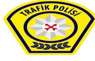 Yedikonuk-Mehmetçik anayolunda trafik kazası...1...