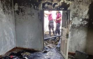 Haspolat'ta Da Yangın Çıktı… Evin Tavanı...