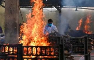 Hindistan'da son 24 saatte 3 bin 449 can kaybı
