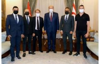 Cumhurbaşkanı Tatar Vision Cyprus Derneği'ni...