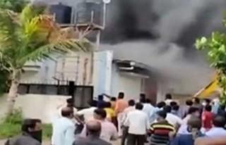 Hindistan'da fabrika yangını: En az 15 ölü