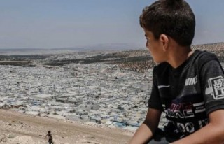 İdlib'deki kamplarda yaşayan sivilleri açlık...