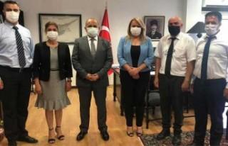 İstatistik Kurumu heyetinden Türkiye Lefkoşa Büyükelçisi...