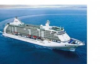 """Jewel Of The Seas"" Kruz Gemisi Limasol Limanında"