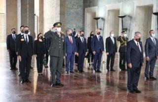 Meclis Başkanı Sennaroğlu, Anıtkabir'de…