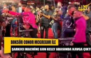 Boksör Conor McGregor ile şarkıcı Machine Gun...