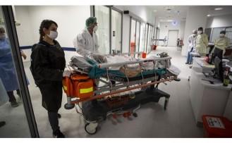 Türkiye'de koronavirüs vaka ve vefat sayıları rekor kırdı