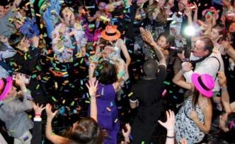 Parti sevdalıları 28 kişi yasağı dinlemiyor