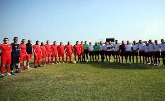Cumhuriyet Meclisi ve İskele Masterları futbol maçı oynadı