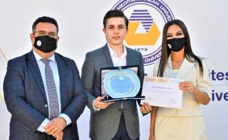 DAÜ, Öğrenci Konseyi için Plaket ve Sertifika Töreni Düzenledi