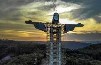 Brezilya'ya 'Kurtarıcı İsa' heykelinden daha uzun bir İsa heykeli inşa ediliyor