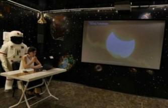 Uzayı merak eden öğrenciler için online eğitim