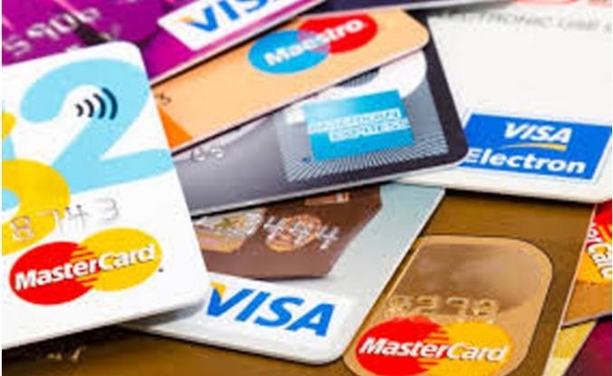 İngiltere'de kredi kartı harcamaları düştü