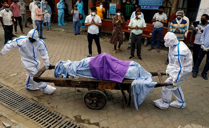 Hindistan'da günlük en yüksek vaka rekoru