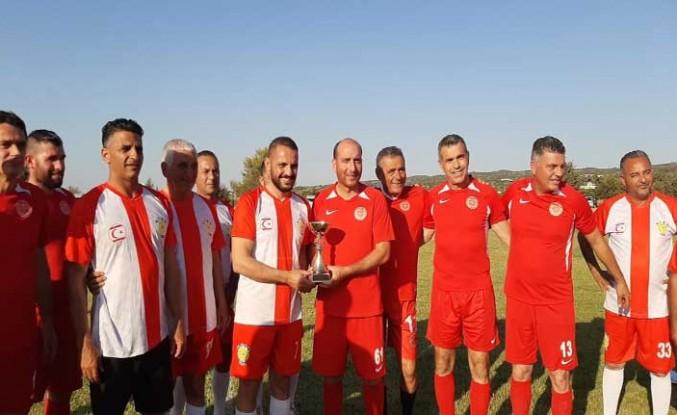 Cumhuriyet Meclisi ile K.T. Belediyeler Birliği arasında dostluk maçı oynandı