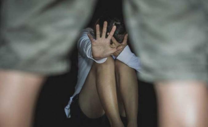 İrlandalı Kadına Baf'ta Tecavüz
